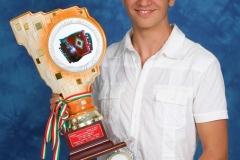 Marco con Trofeo
